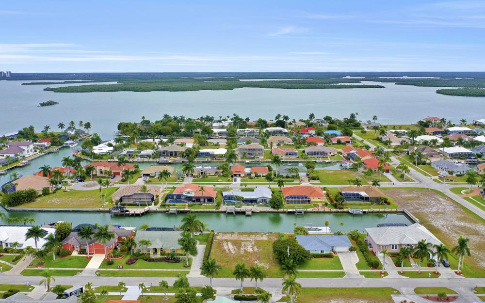 329 Grapewood Ct, Marco Island - Lot For Sale 927048792