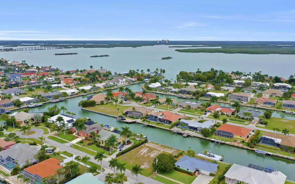 329 Grapewood Ct, Marco Island - Lot For Sale 1507038388