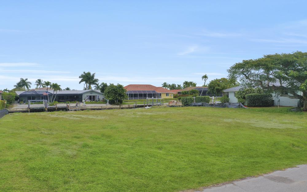 329 Grapewood Ct, Marco Island - Lot For Sale 399562736
