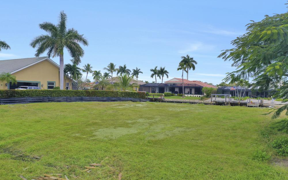 329 Grapewood Ct, Marco Island - Lot For Sale 1211576355