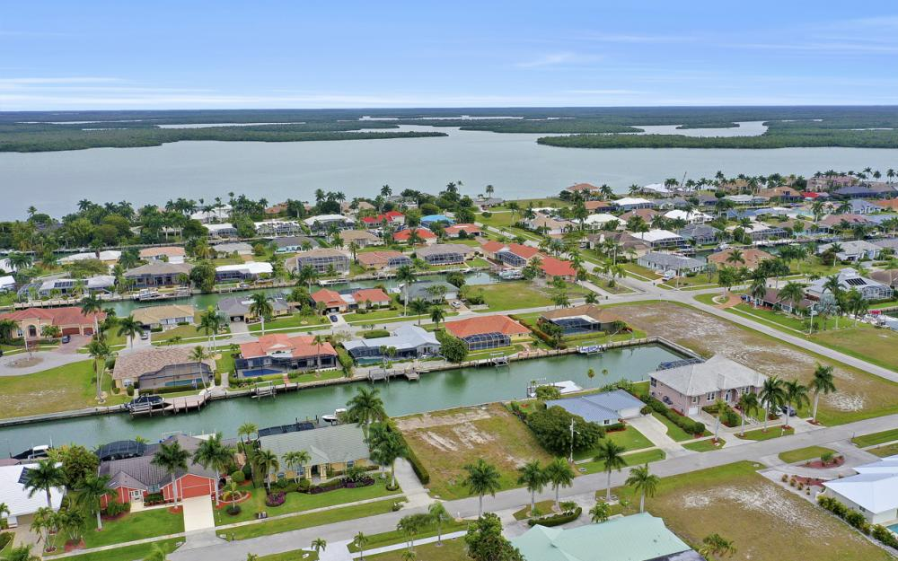 329 Grapewood Ct, Marco Island - Lot For Sale 224531289