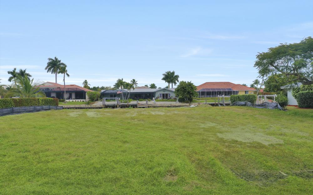329 Grapewood Ct, Marco Island - Lot For Sale 1008082849