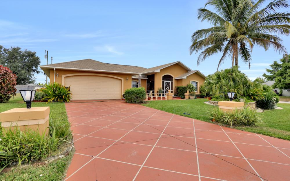 318 NE 17th Pl, Cape Coral - Home For Sale 1393401374