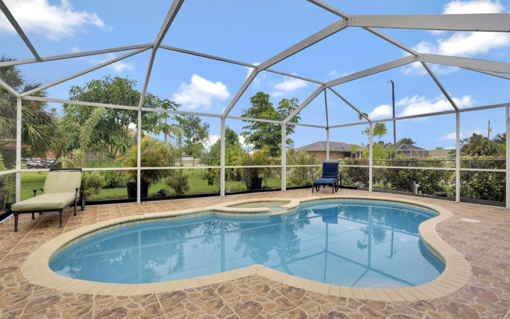 318 NE 17th Pl, Cape Coral - Home For Sale 1600958837