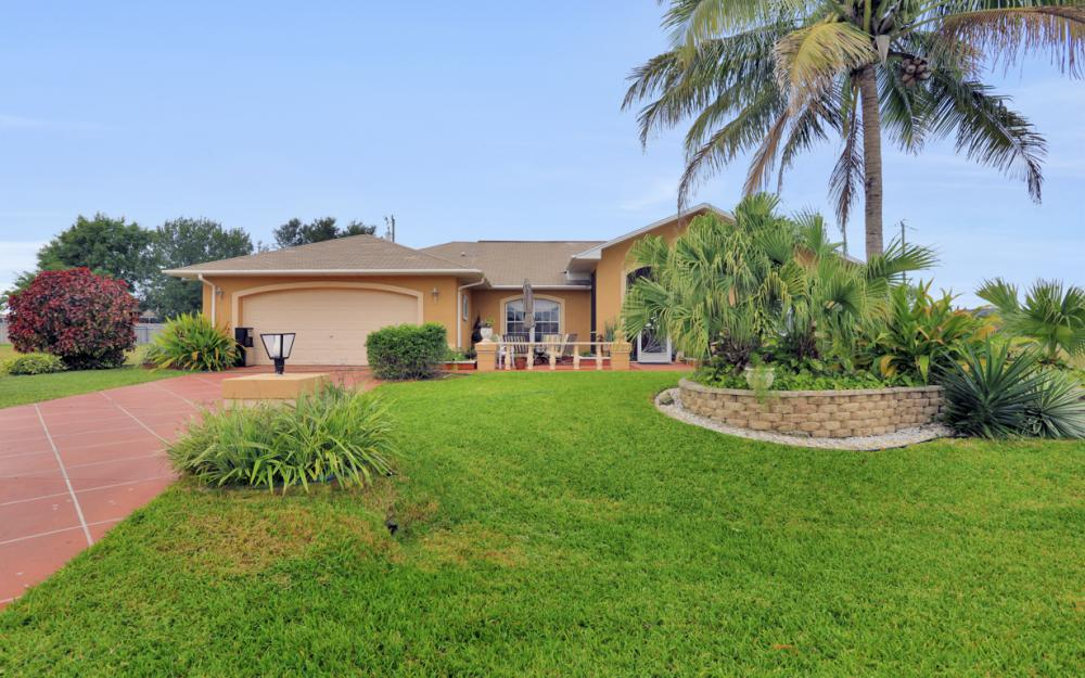 318 NE 17th Pl, Cape Coral - Home For Sale 570056120