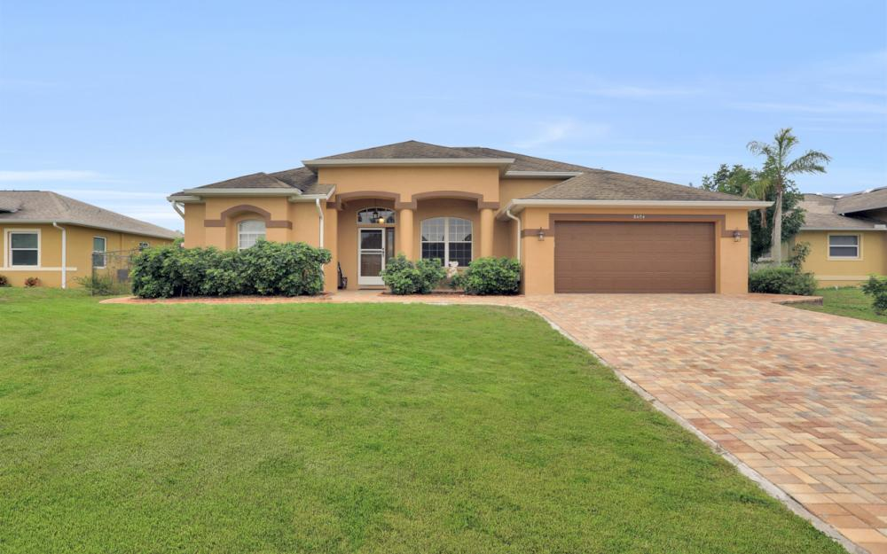 8404 Bahamas Rd, Fort Myers - Home For Sale 380903893