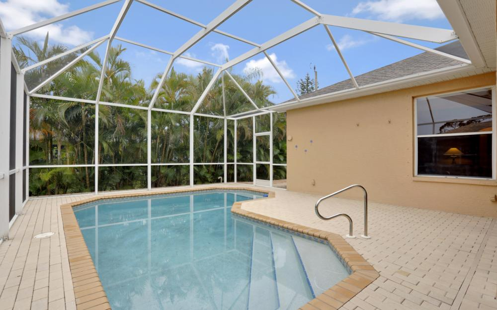 8404 Bahamas Rd, Fort Myers - Home For Sale 571953548