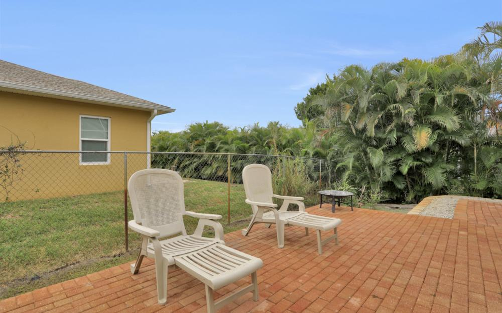 8404 Bahamas Rd, Fort Myers - Home For Sale 318287584