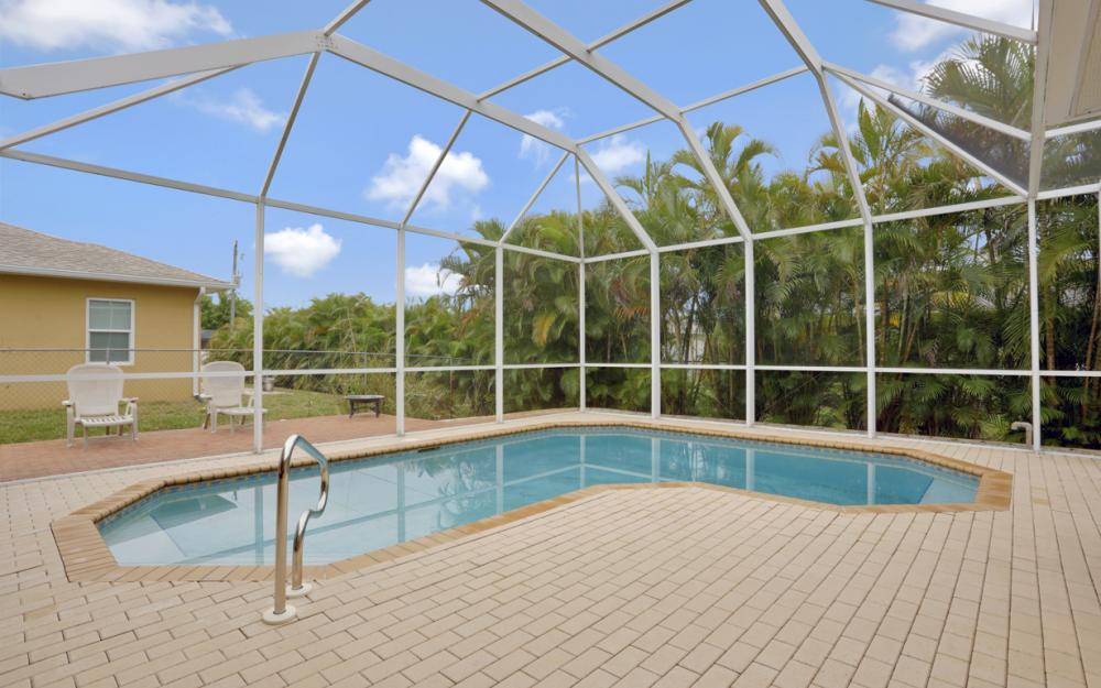 8404 Bahamas Rd, Fort Myers - Home For Sale 1511074574