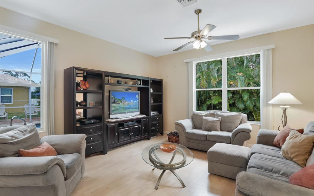 8404 Bahamas Rd, Fort Myers - Home For Sale 545725341