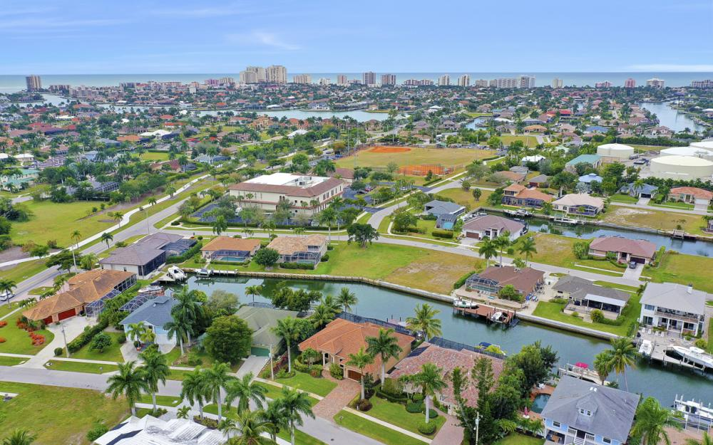 480 Pheasant Ct, Marco Island - Home For Sale 1042312385