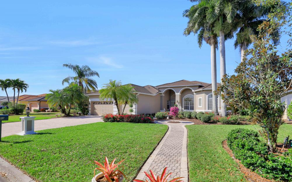 690 Grand Rapids Blvd, Naples - Home For Sale 350165826