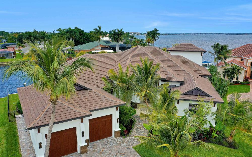 5611 Riverside Dr, Cape Coral - Luxury Home For Sale 119924075