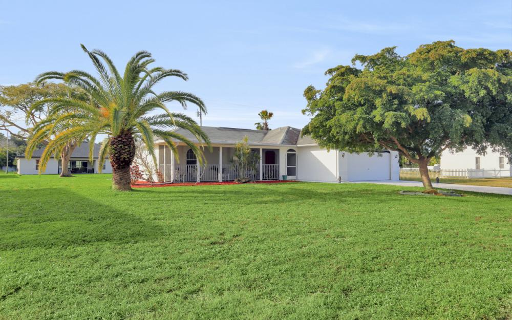 632 SW 4th St, Cape Coral - Home For Sale 1952766453