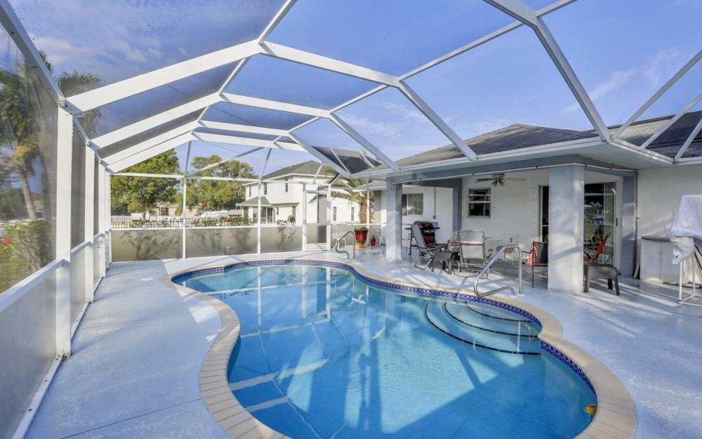632 SW 4th St, Cape Coral - Home For Sale 1887541013