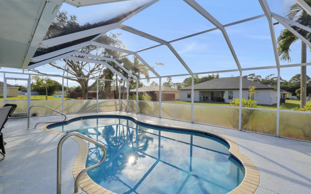 632 SW 4th St, Cape Coral - Home For Sale 28054722