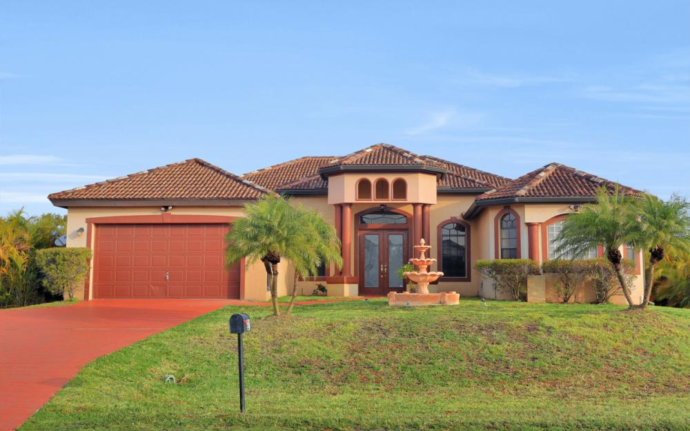 921 Diplomat Pkwy W, Cape Coral - Home For Sale 971870329