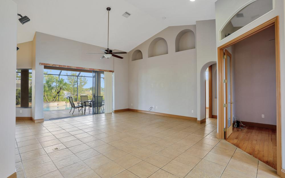 921 Diplomat Pkwy W, Cape Coral - Home For Sale 1536444237
