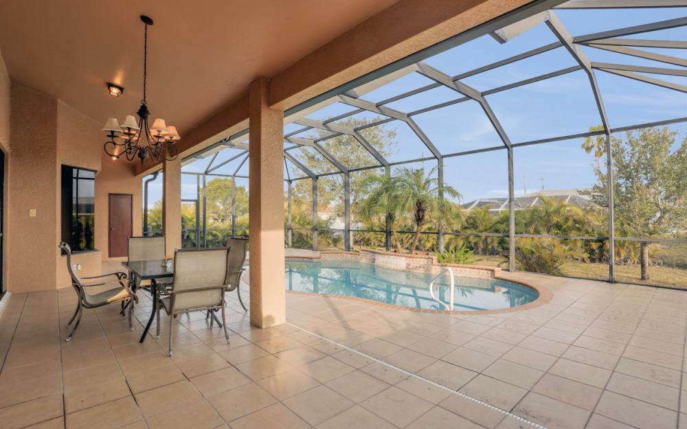 921 Diplomat Pkwy W, Cape Coral - Home For Sale 973697240