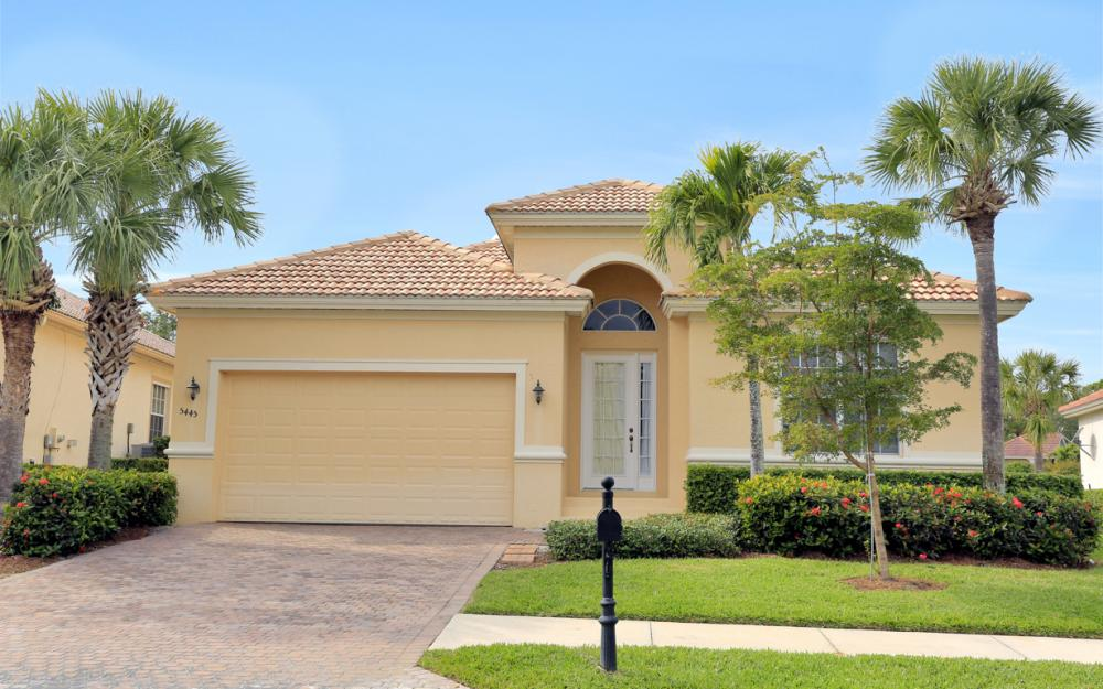 5445 Whispering Willow Way, Fort Myers - Home For Sale 627884539