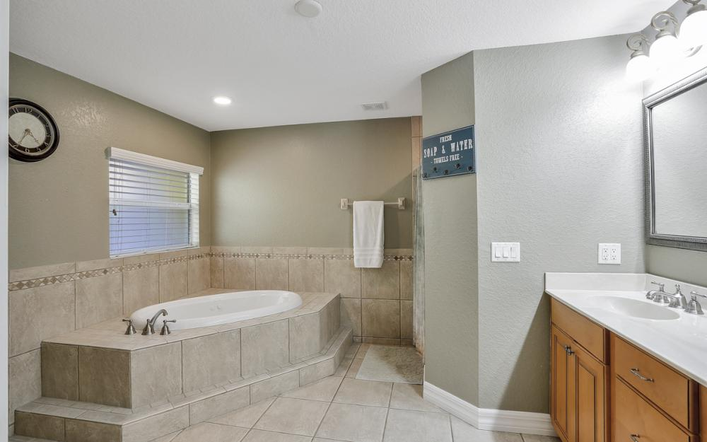 2511 NW 29th Ter, Cape Coral - Home For Sale 1281069460
