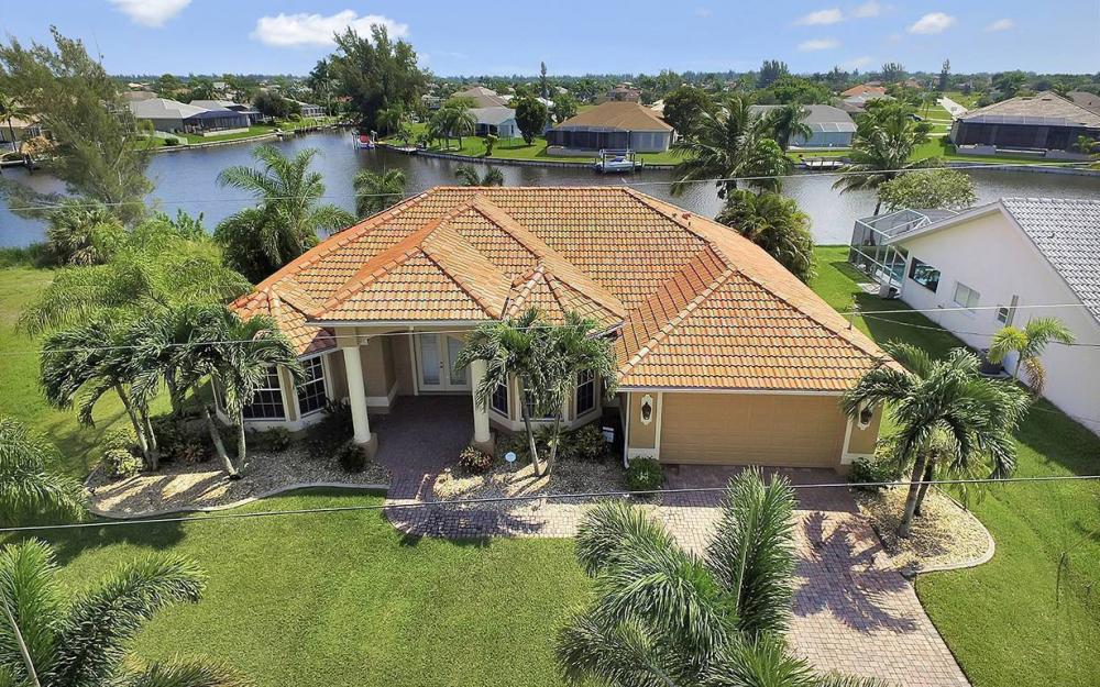 3037 SW 26th Pl, Cape Coral - House For Sale 233932269
