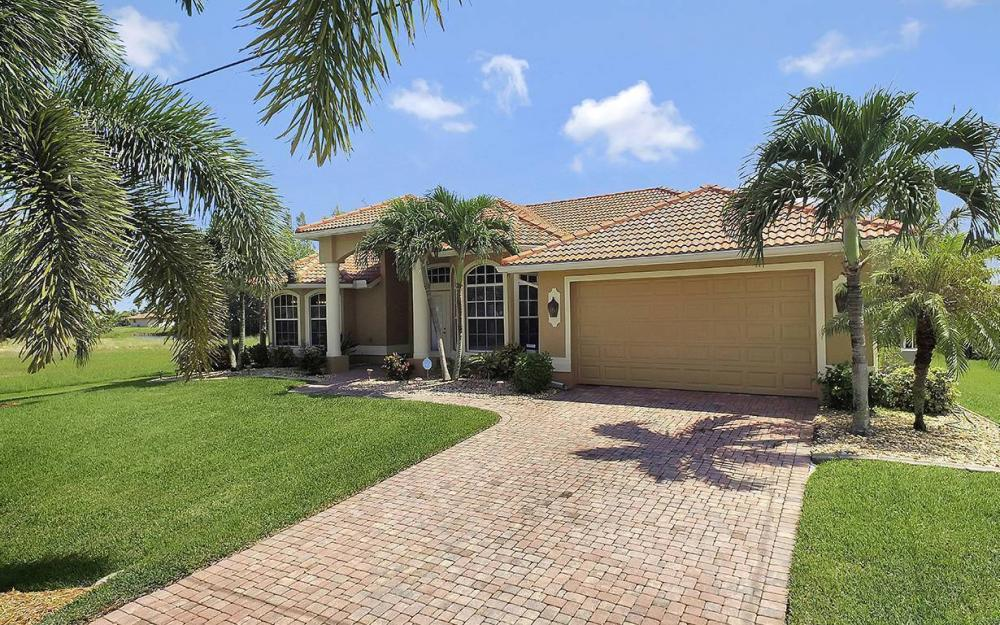 3037 SW 26th Pl, Cape Coral - House For Sale 1161397602