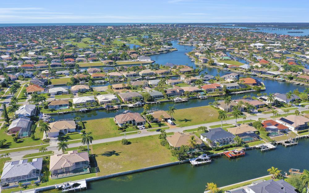 135 Gulfport Ct, Marco Island - Lot For Sale 925278919
