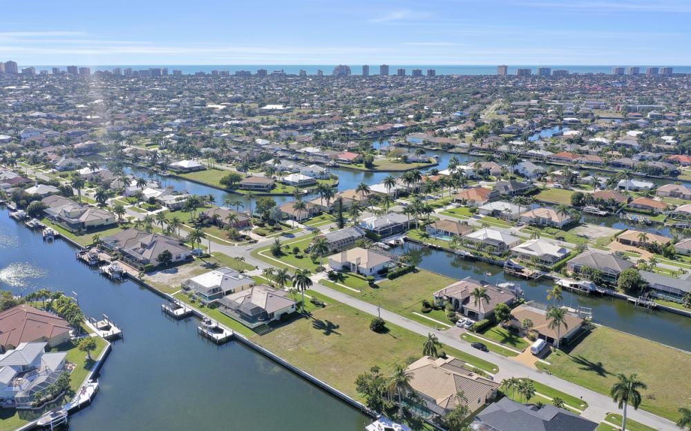 135 Gulfport Ct, Marco Island - Lot For Sale 418486793