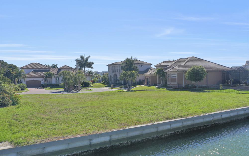 1020 Dill Ct, Marco Island - Lot For Sale 1034404765