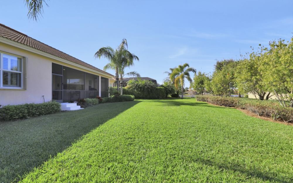 5664 Whispering Willow Way, Fort Myers - Home For Sale 292309089