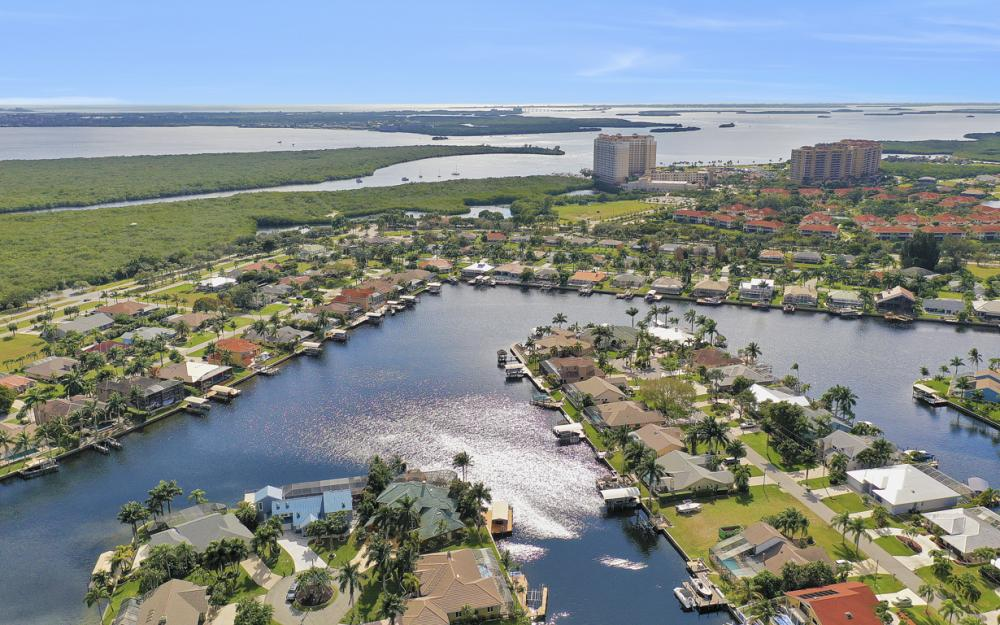 5608 SW 9th Ave, Cape Coral - Luxury Property For Sale 2143904081