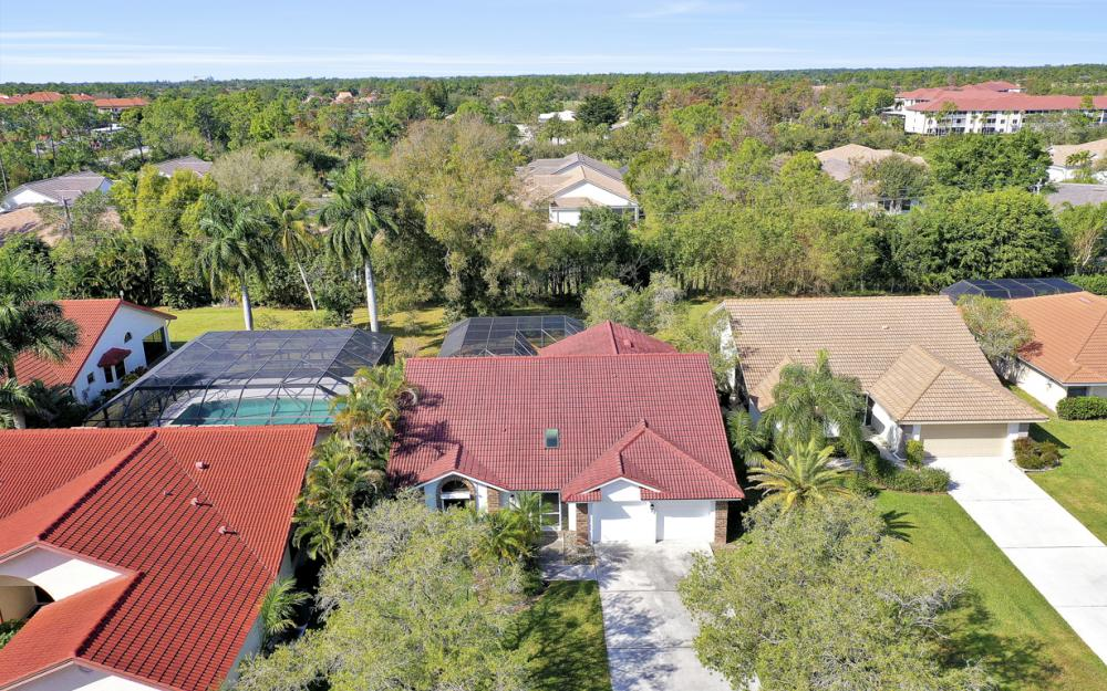 577 Countryside Dr, Naples - Home For Sale 284871376
