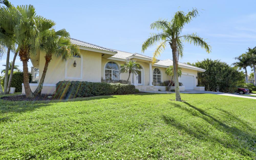 1200 Ember Ct, Marco Island - Home For Sale 2049315522