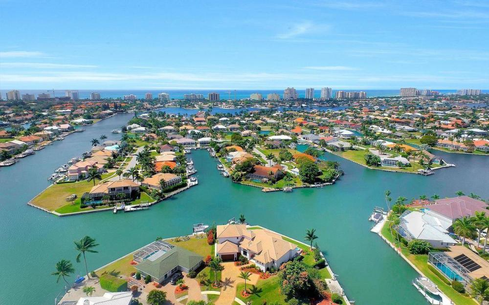 1270 Lily Ct, Marco Island - House For Sale 33179664