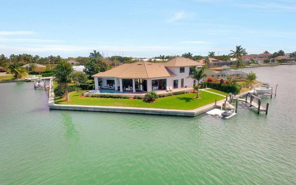 1270 Lily Ct, Marco Island - House For Sale 1172846794