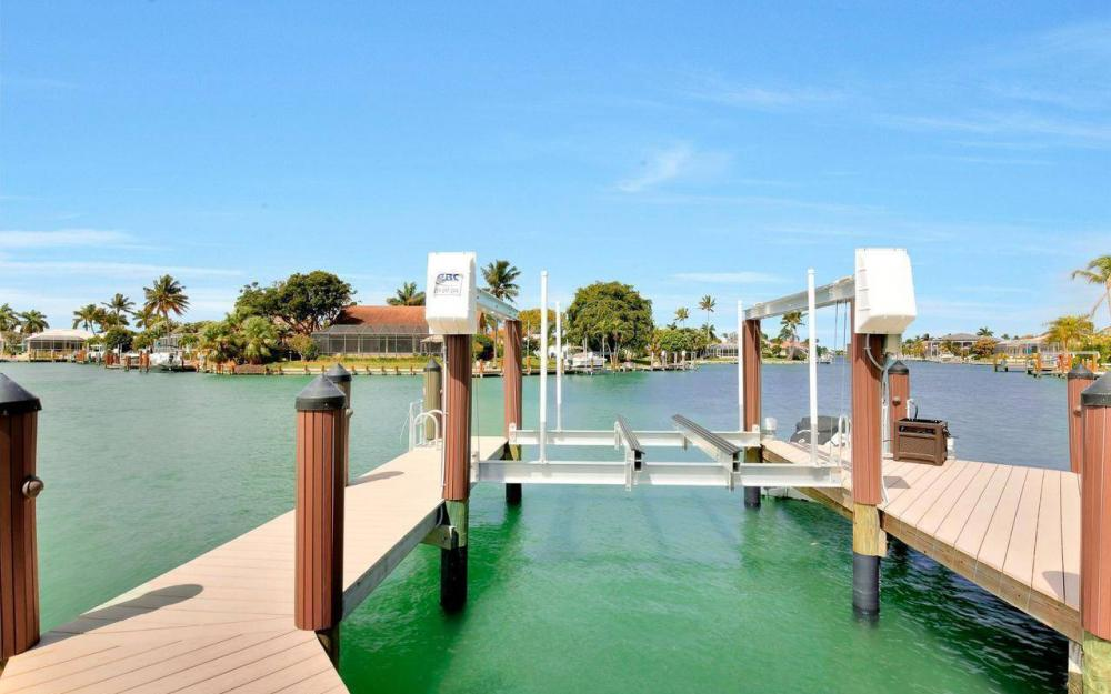 1270 Lily Ct, Marco Island - House For Sale 467544246