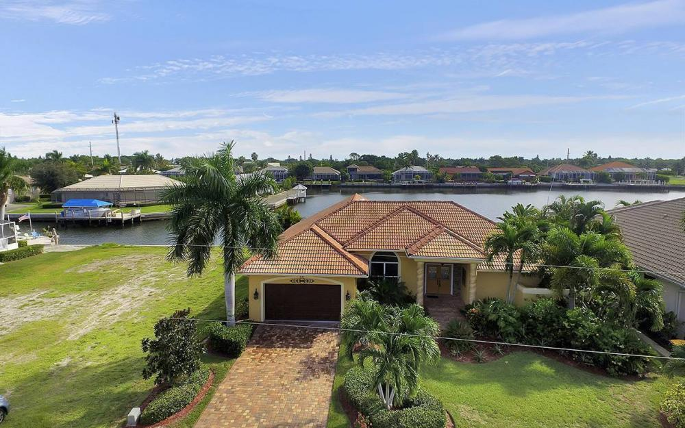 337 Capistrano Ct, Marco Island - House For Sale 633855566