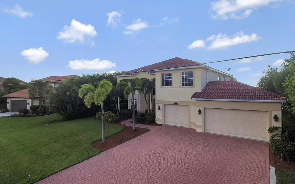 2968 Surfside Blvd, Cape Coral - House For Sale 1099618964