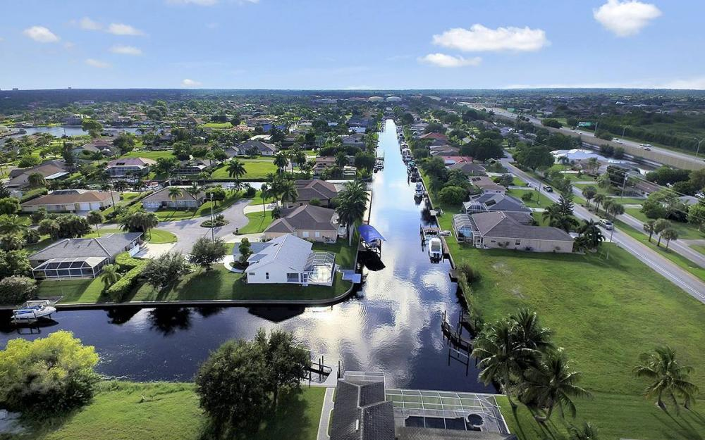 2511 SE 22nd Ct, Cape Coral - House For Sale 734855654