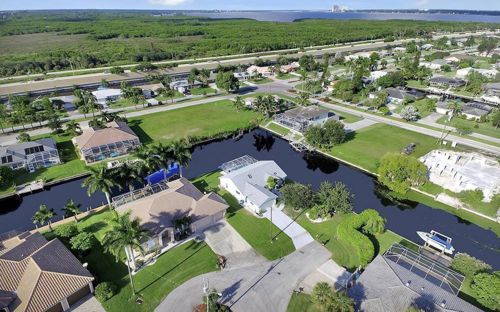 2511 SE 22nd Ct, Cape Coral - House For Sale 2095556674