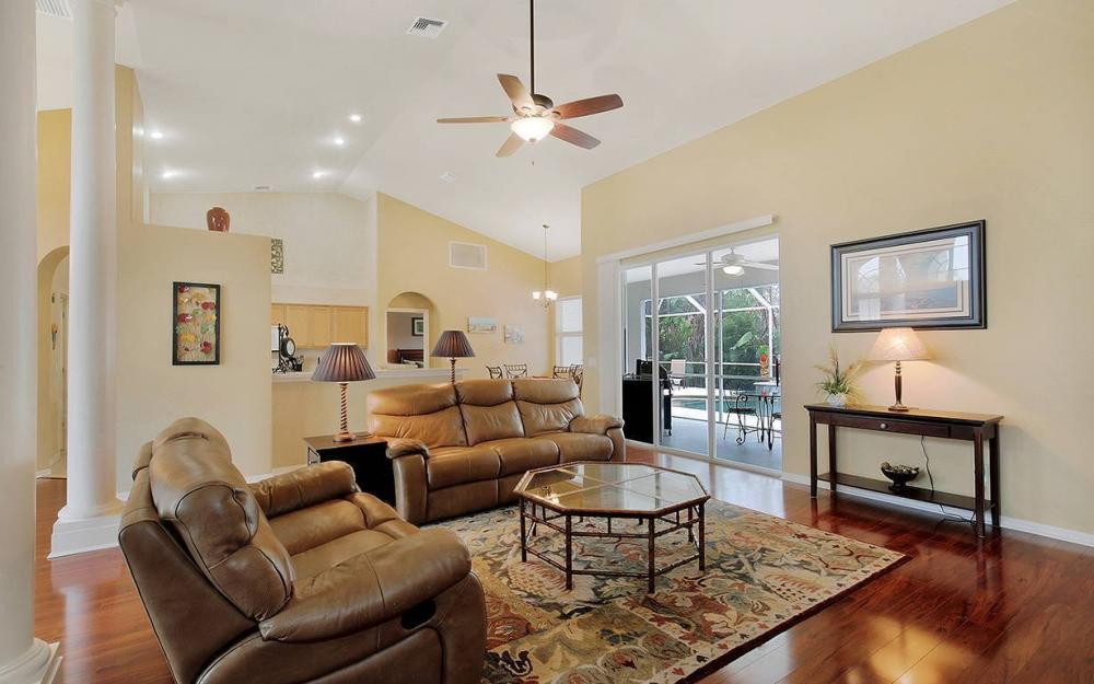 1923 Cape Coral Pkwy W, Cape Coral - House For Sale 918126536