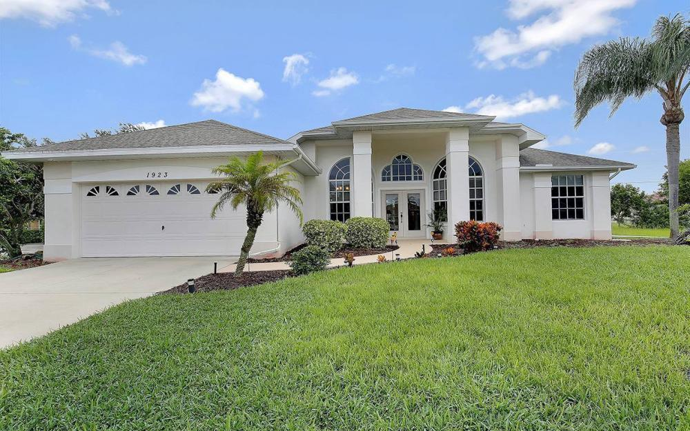 1923 Cape Coral Pkwy W, Cape Coral - House For Sale 70040522