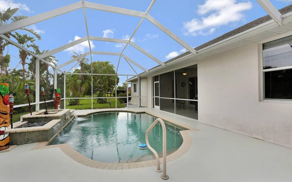 1923 Cape Coral Pkwy W, Cape Coral - House For Sale 1832259591