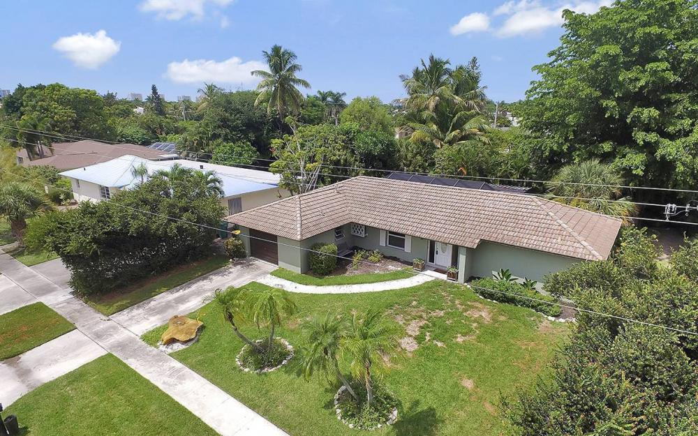 1260 Skylark Ave, Marco Island - House For Sale 738710827