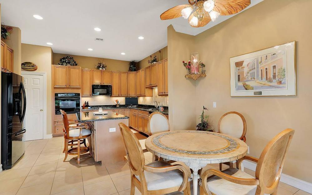 9917 Bellagio Ct, Ft.Myers - Home For Sale 495350524