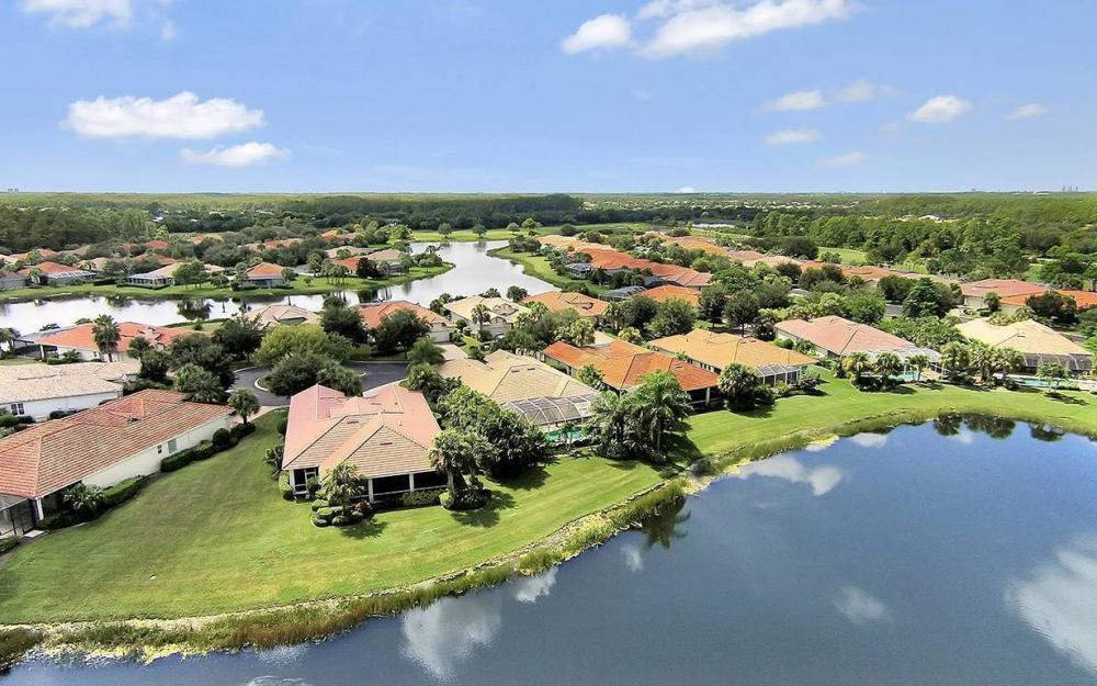9917 Bellagio Ct, Ft.Myers - Home For Sale 1700513900