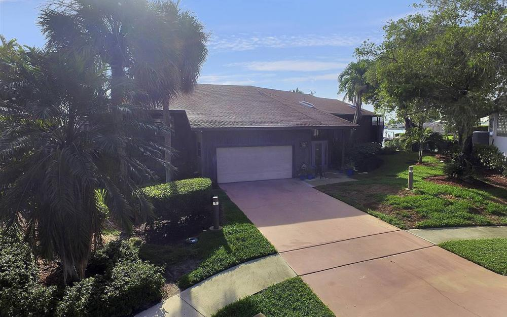 995 Daisy Ct, Marco Island - House For Sale 2142367812