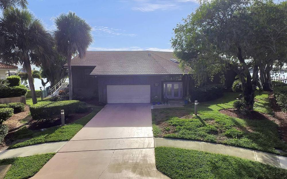 995 Daisy Ct, Marco Island - House For Sale 1011037310