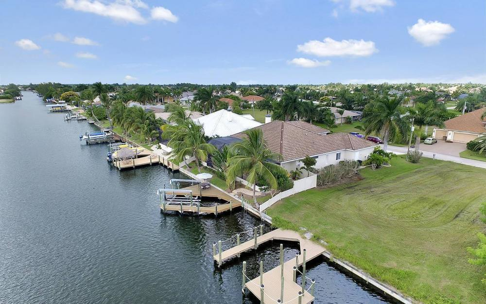 5228 SW 24th Pl, Cape Coral - Vacation Rental 1420525085